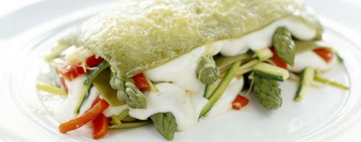 Lasanha Verde com legumes e Bechamel de especiarias